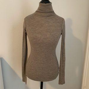 Vince turtleneck light brown sweater